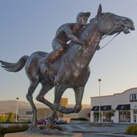 Seabiscuit Mall Statue