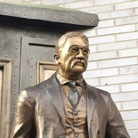 Join Teddy Roosevelt on his Train Platform