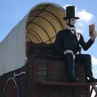 World's Largest Covered Wagon and Big Lincoln