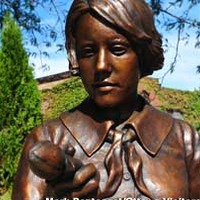 Statue of the Radium Girl
