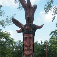 Wacinton: Carved Giant Indian Head