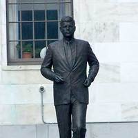 Statue of JFK: Going Places