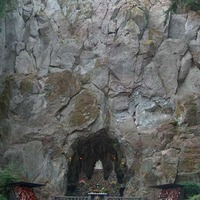 The Grotto: Catholic Cliff Shrines and Gardens