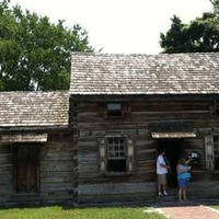 Davy Crockett Replica Tavern