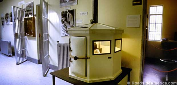 Gas chamber model.
