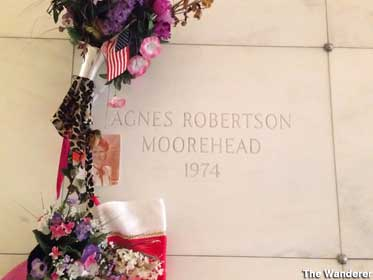 Crypt of Agnes Moorehead.