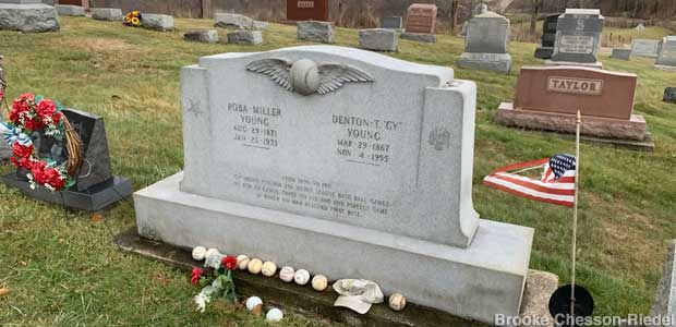 Cy Young's winged baseball gravestone.