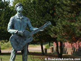 Woody Guthrie statue.