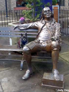 Mcminnville Or Ben Franklin On A Bench