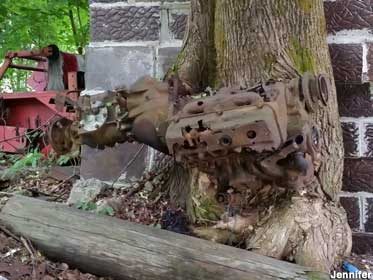 Engine in tree.