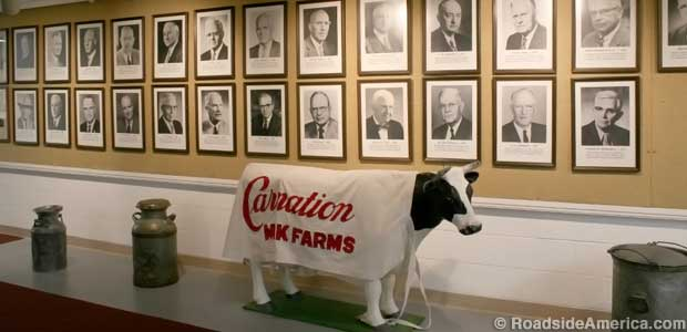 Carnation model cow and hall of famers.