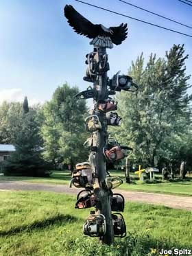 Totem pole of chainsaws.