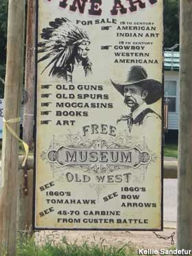 Free Museum sign.